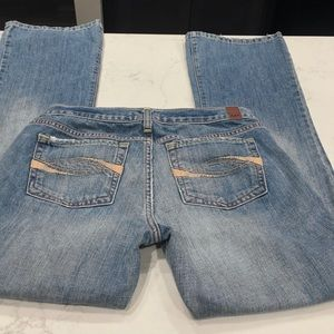 A&F low rise straight leg jeans size 6 regular